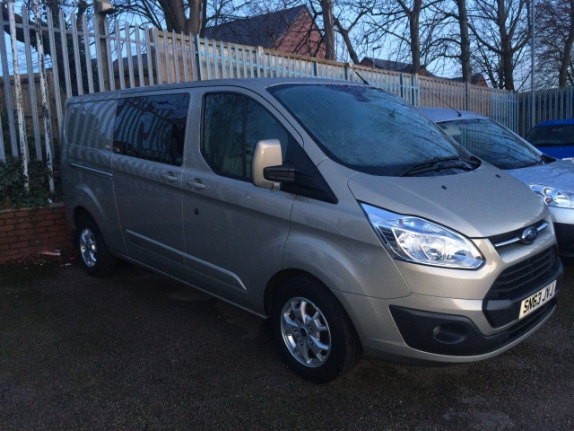 FORD TRANSIT CUSTOM 2.2 TDCi 125ps Low Roof D/Cab Limited Van