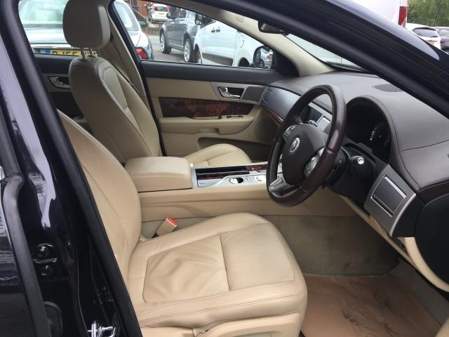 JAGUAR XF 2.7d Luxury 4dr Auto