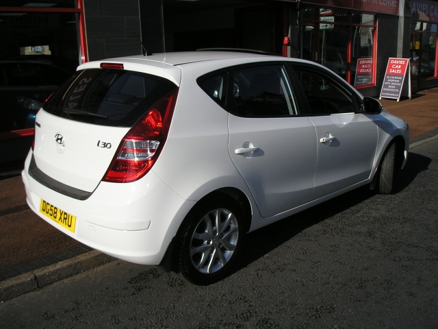 hyundai i30 1 4 se 5dr manual for sale in ellesmere port