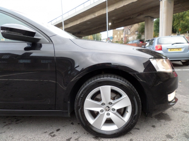 SKODA OCTAVIA 2.0 SE TDI CR 5DR Manual
