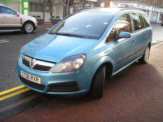 vauxhall zafira 1 6 life 16v 5dr manual for sale in ellesmere port rh davies carsales co uk Vauxhall VXR Vauxhall Insignia