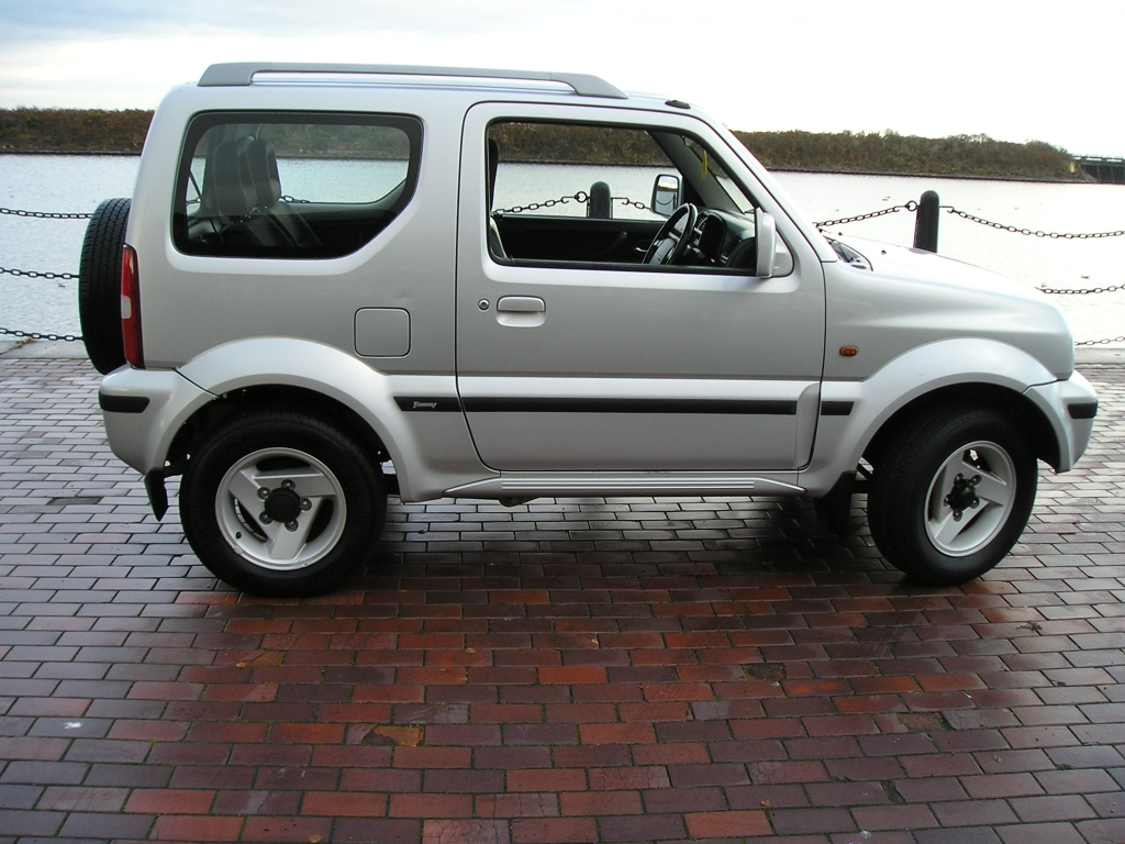 suzuki jimny 1 3 jlx mode 3dr manual for sale in ellesmere port davies car sales. Black Bedroom Furniture Sets. Home Design Ideas