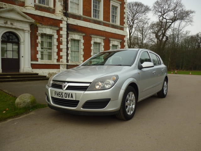 VAUXHALL ASTRA 1.4 CLUB 16V TWINPORT 5DR Manual