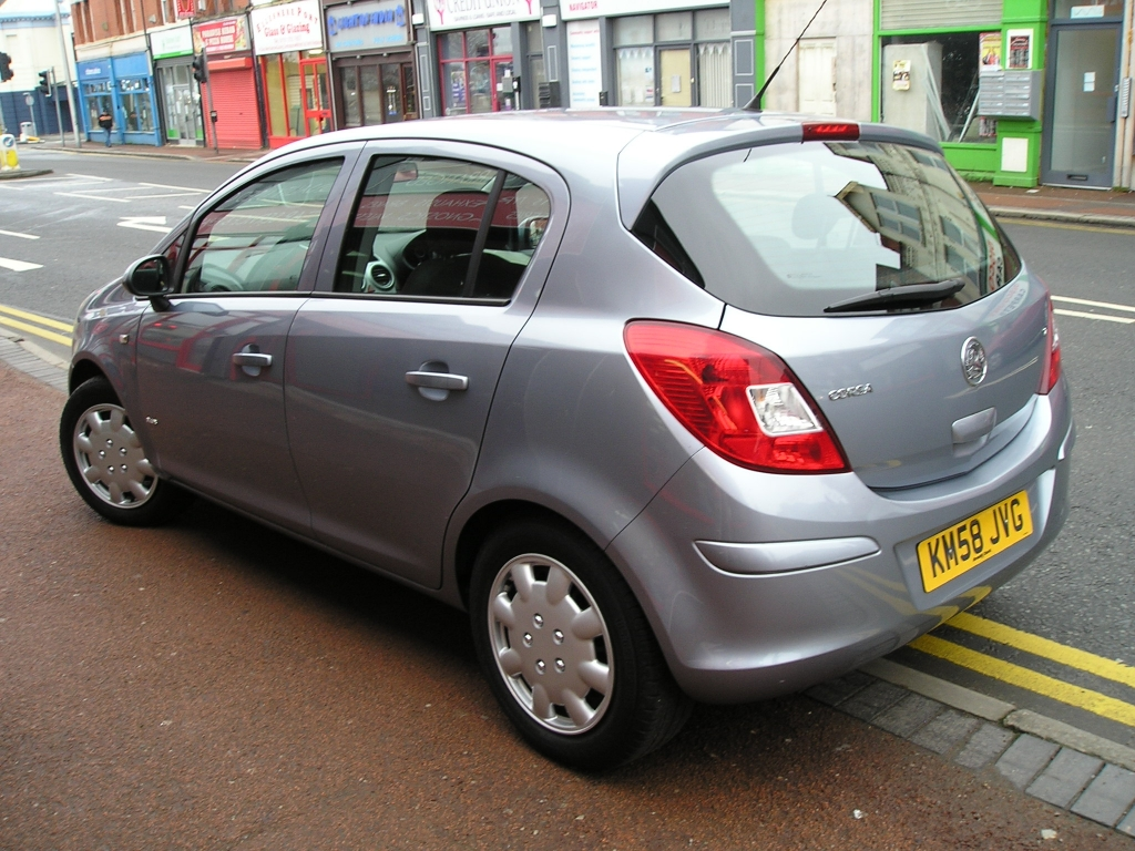 VAUXHALL CORSA 1.2 CLUB A/C 16V 5DR Manual