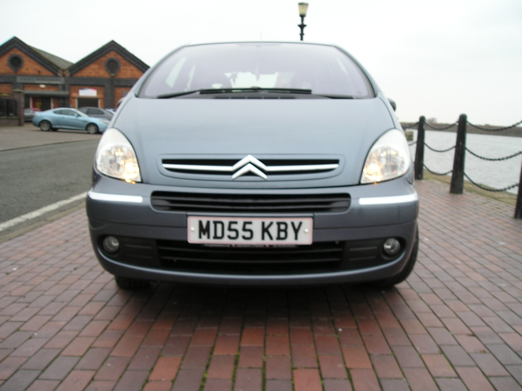 citroen xsara 1 6 picasso desire 16v 5dr manual for sale. Black Bedroom Furniture Sets. Home Design Ideas