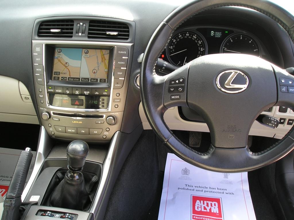 lexus is 2.2 220d se-i 4dr manual for sale in ellesmere port