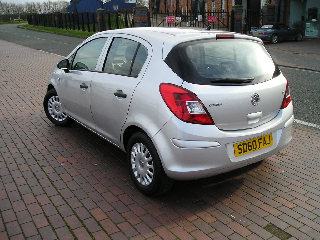 vauxhall corsa 1 2 s 5dr manual for sale in ellesmere port davies car sales. Black Bedroom Furniture Sets. Home Design Ideas