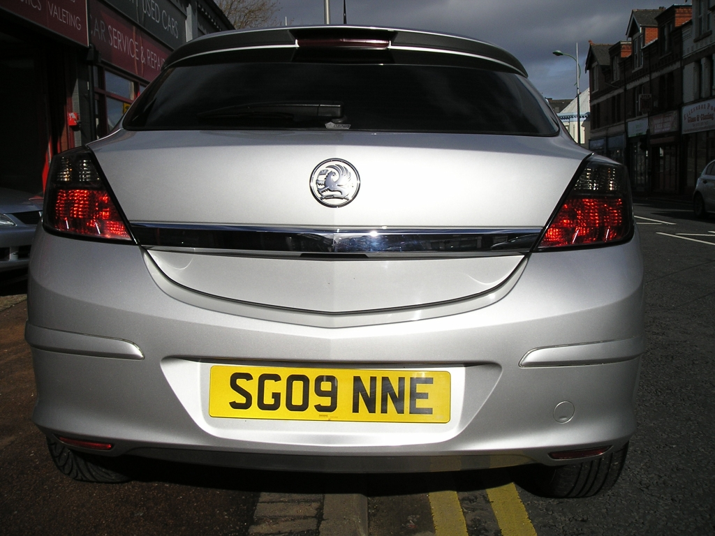 VAUXHALL ASTRA 1.4 SXI 3DR Manual