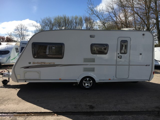 SWIFT Bridgemere 4 berth with mover!