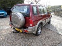 SUZUKI GRAND VITARA 4wd 2.0 16V 5 door 2 pre owners fsh 118k suzuki service pack metalic red & silver