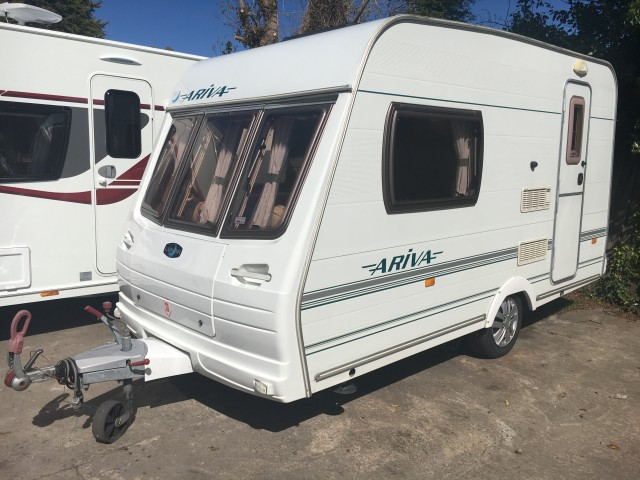 LUNAR Arriva Light weight 2 berth with mover