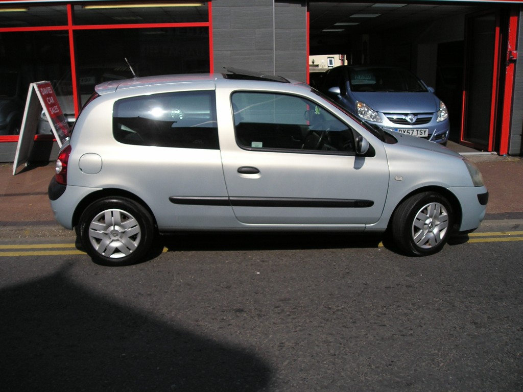 RENAULT CLIO 1.1 EXTREME 3 16V 3DR Manual
