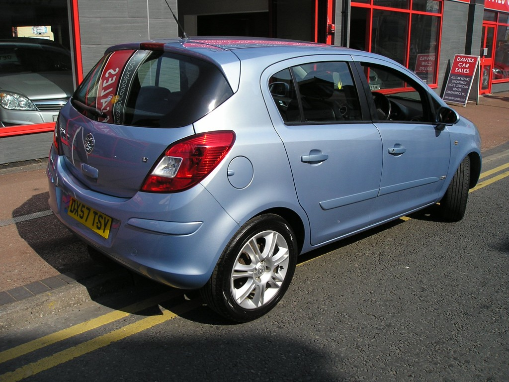 VAUXHALL CORSA 1.2 DESIGN 16V 5DR Manual