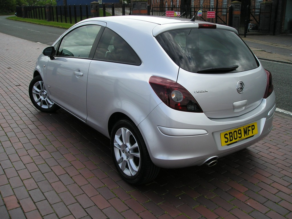 vauxhall corsa 1 2 sxi 16v 3dr manual for sale in ellesmere port davies car sales. Black Bedroom Furniture Sets. Home Design Ideas