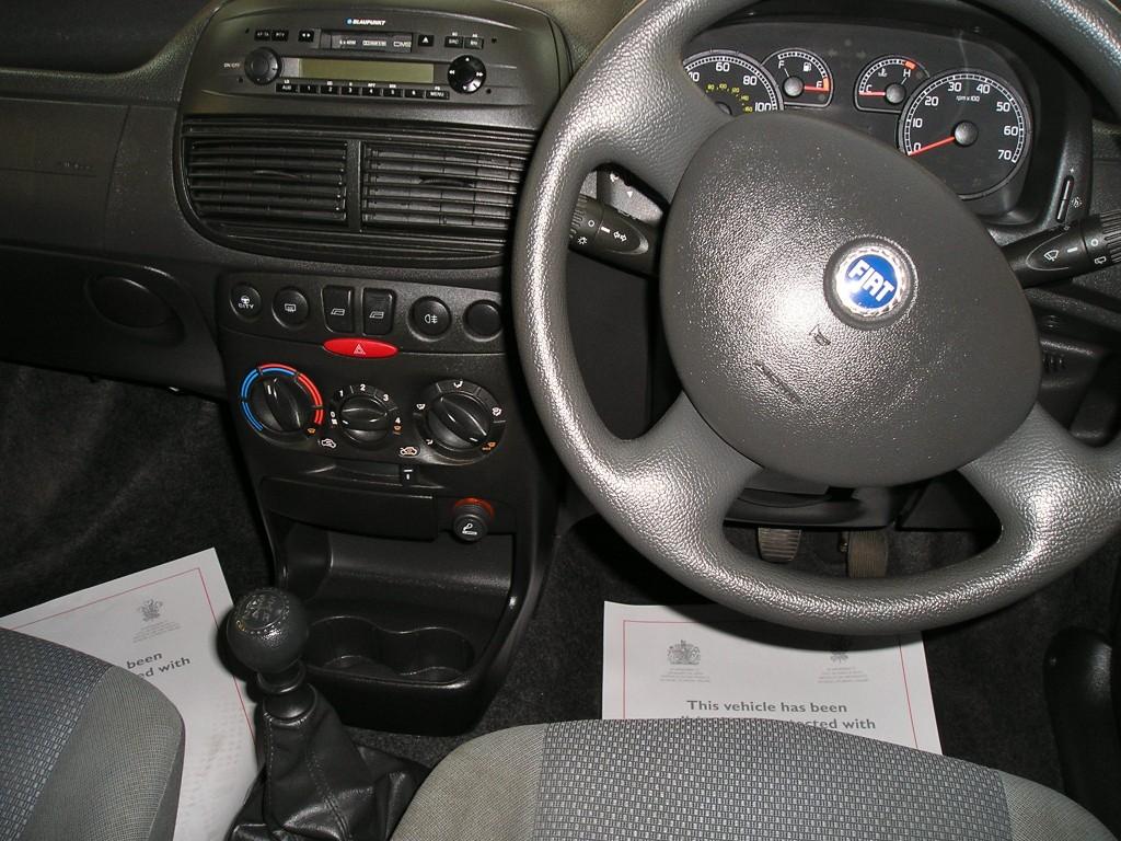 FIAT PUNTO 1.2 8V ACTIVE 5DR Manual