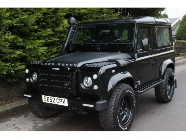 Used LAND ROVER DEFENDER 2.5 90 TD5 XS STATION WAGON 3DR in Lancashire