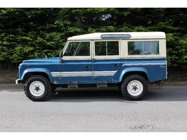 Used LAND ROVER 110 2.3 4CYL SW 5DR in Lancashire