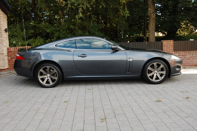 JAGUAR XK 4.2 COUPE 2DR AUTOMATIC