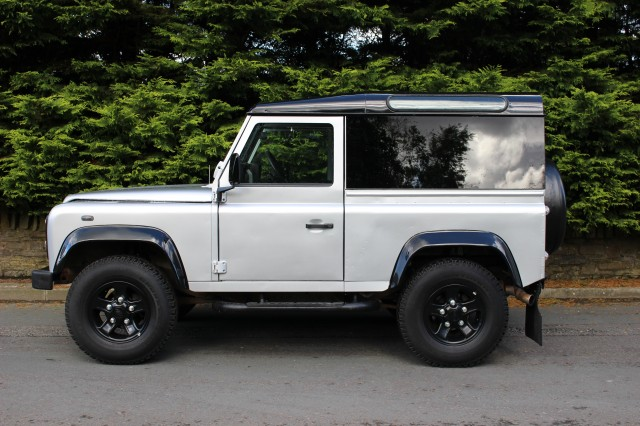 Used LAND ROVER DEFENDER 2.5 90 TD5 STATION WAGON 3DR in Lancashire
