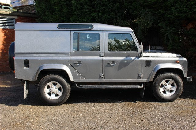 Used LAND ROVER DEFENDER  2.4 110 TDI COUNTY UTILITY WAGON DCB in Lancashire