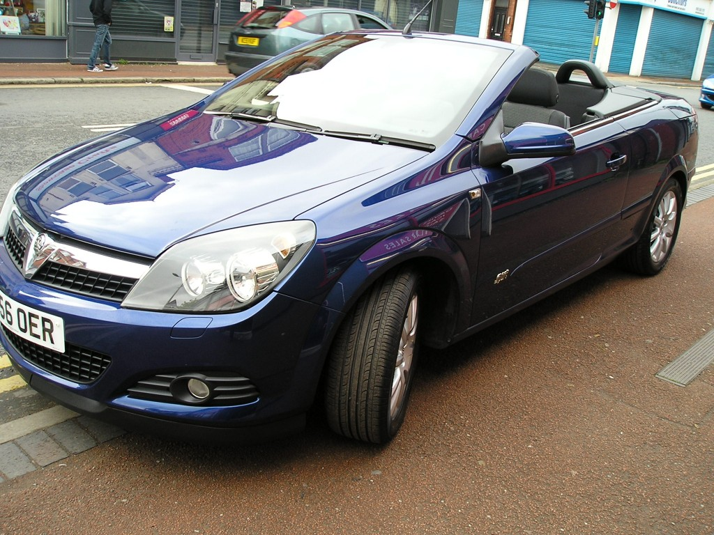 VAUXHALL ASTRA 1.8 TWIN TOP SPORT 3DR