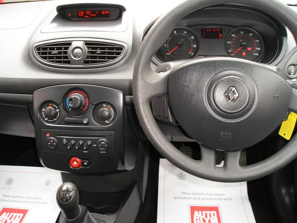 RENAULT CLIO 1.1 EXTREME 16V 5DR