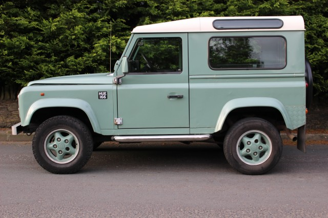 Used LAND ROVER DEFENDER 2.5 90 HT TDI in Lancashire