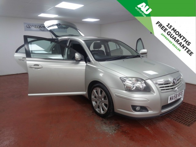 Used TOYOTA AVENSIS 2.0 TR D-4D 5DR in West Yorkshire