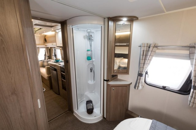 COMPASS CAPIRO 550  **LAST ONE FOR 2018**PLEASE CALL BEFORE VIEWING