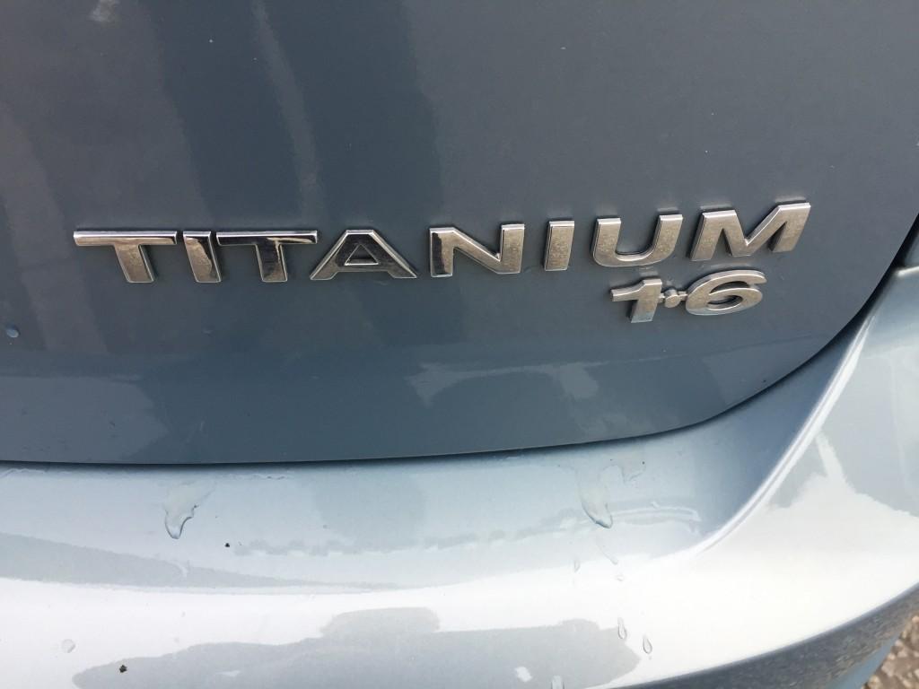 FORD FOCUS 1.6 TITANIUM 5DR