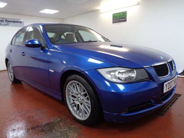 Used BMW 3 SERIES 2.0 318I ES 4DR AUTOMATIC in West Yorkshire