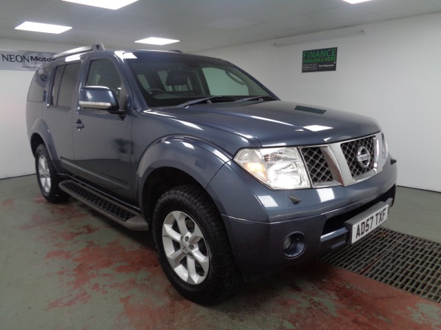 Used NISSAN PATHFINDER 2.5 AVENTURA DCI 5DR in West Yorkshire