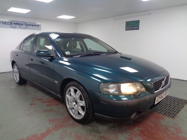 Used VOLVO S60 2.4 D5 SE 4DR in West Yorkshire