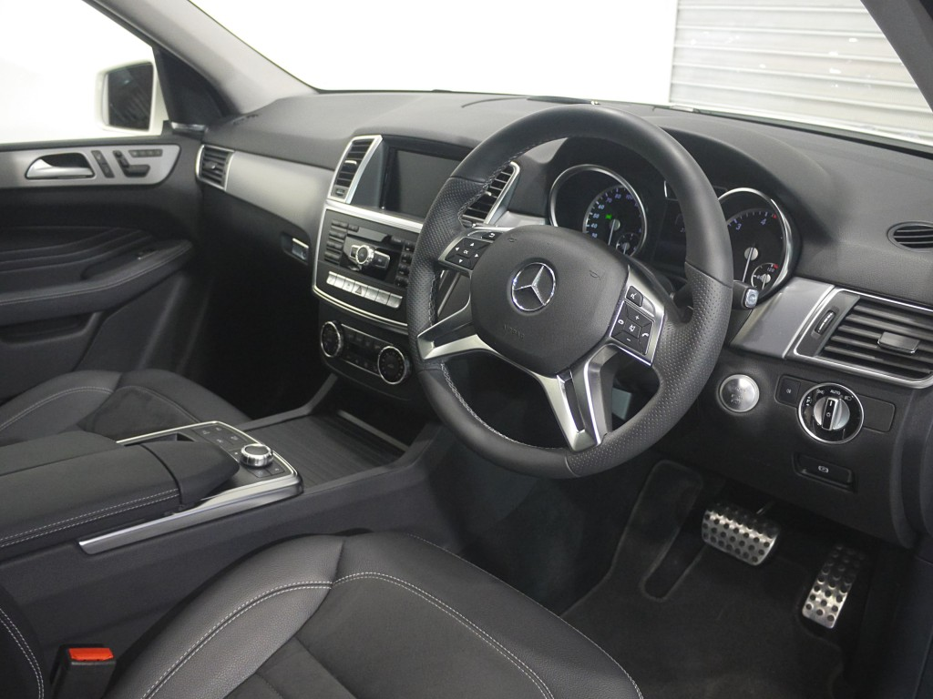 MERCEDES-BENZ M-CLASS 3.0 ML350 BLUETEC AMG LINE PREMIUM 5DR AUTOMATIC