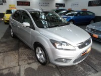 FORD FOCUS 1.6 ZETEC A/C 5DR HATCH ALLOY WHEELS HEATED FRONT SCREEN FSH AA APPROVED HPI CLEAR FULLY VALETED