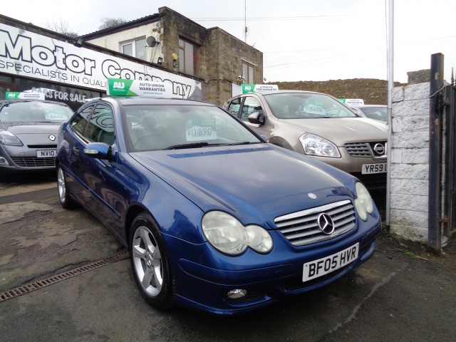 Used MERCEDES-BENZ C-CLASS 1.8 C180 KOMPRESSOR SE SPORTS 3DR in West Yorkshire