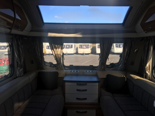 SWIFT 580 Elegance