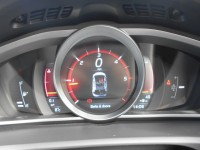 VOLVO V40 2.0 D4 R-DESIGN NAV 5DR