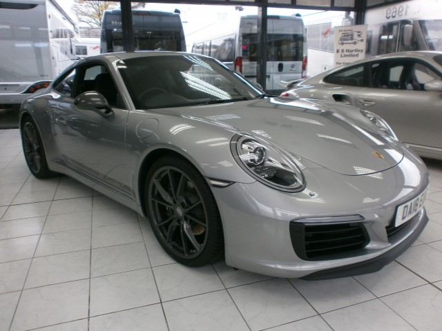 Click for mmore information about 2018 PORSCHE 911 3.0 CARRERA T