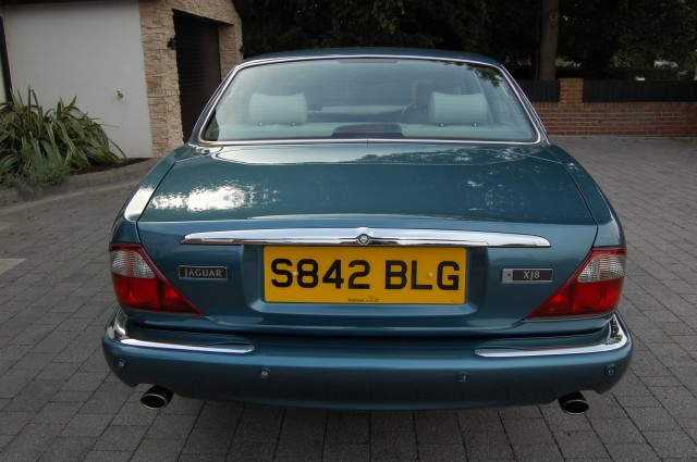 JAGUAR XJ 3.2 SOVEREIGN V8 4DR AUTOMATIC