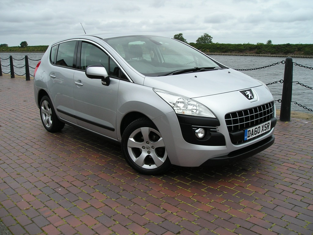 PEUGEOT 3008 1.6 SPORT HDI 5DR