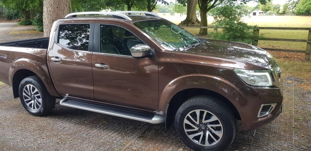 Used Nissan Np300 Navara 23 Dci Tekna 4x4 Shr Dcb For Sale In