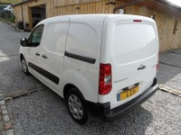 PEUGEOT PARTNER 1.6 HDI PROFESSIONAL 625 75 PROFESSIONAL VAN 3 SEATS - SIDE LOADING DOOR FACTORY BULK HEAD