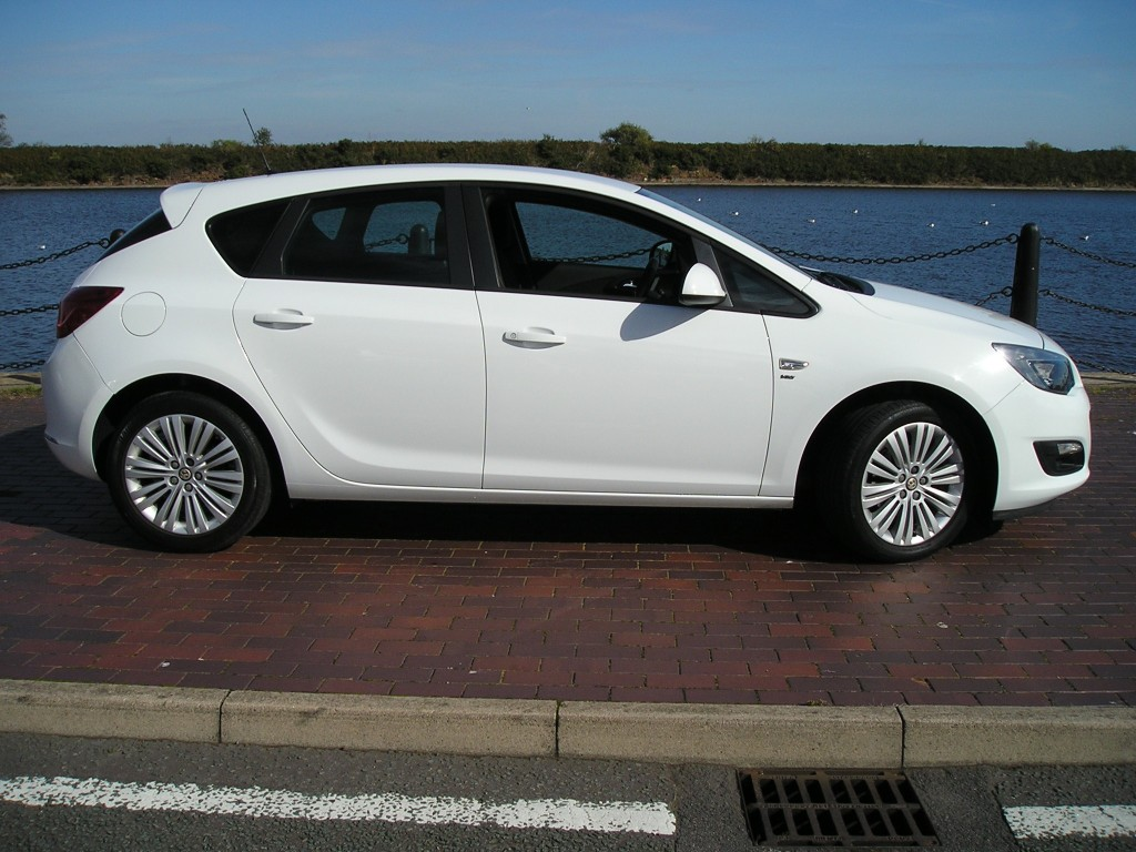 VAUXHALL ASTRA 1.4 ENERGY 5DR