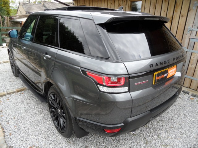 2015 (15) LAND ROVER RANGE ROVER SPORT 3.0 SDV6 HSE DYNAMIC AUTO - STEALTH PACK PAN ROOF 21