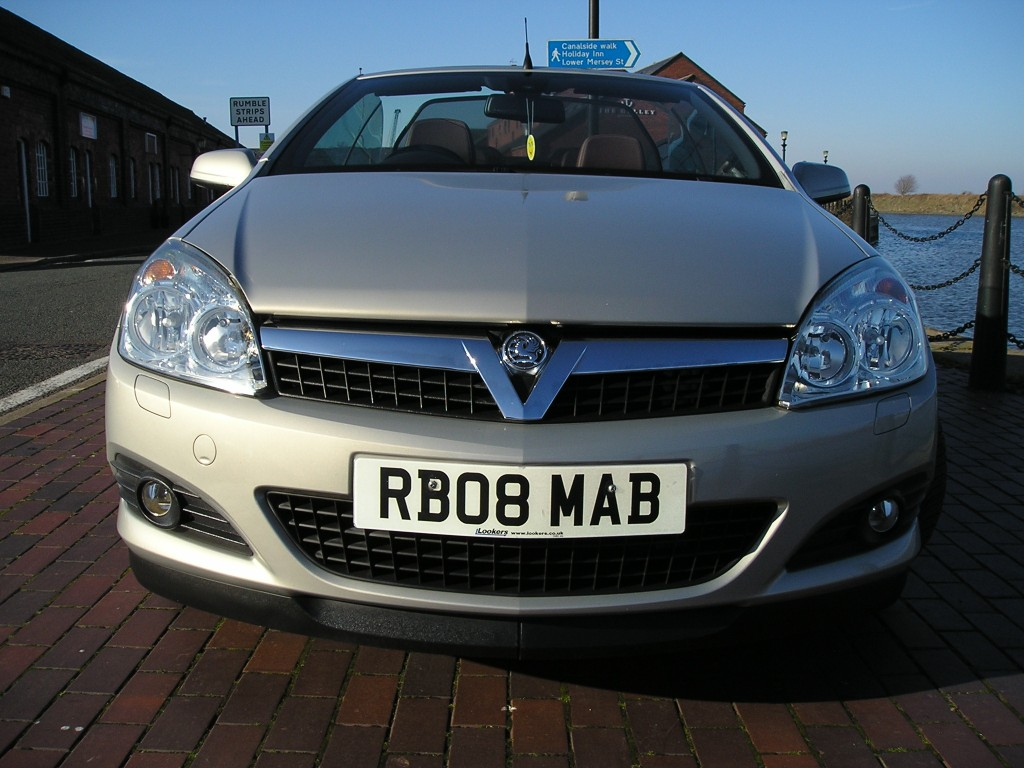 VAUXHALL ASTRA 1.8 TWIN TOP DESIGN 3DR AUTOMATIC