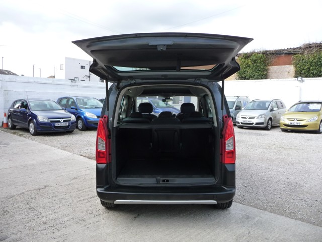 2009 (58) CITROEN BERLINGO MULTISPACE 1.6 MULTISPACE XTR HDI 5DR