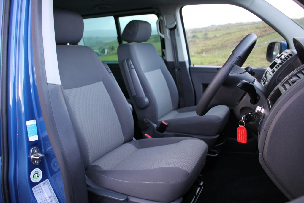 VOLKSWAGEN CARAVELLE 140HP DSG AUTO 2.0 T30 TDI SHUTTLE SE 5DR Automatic