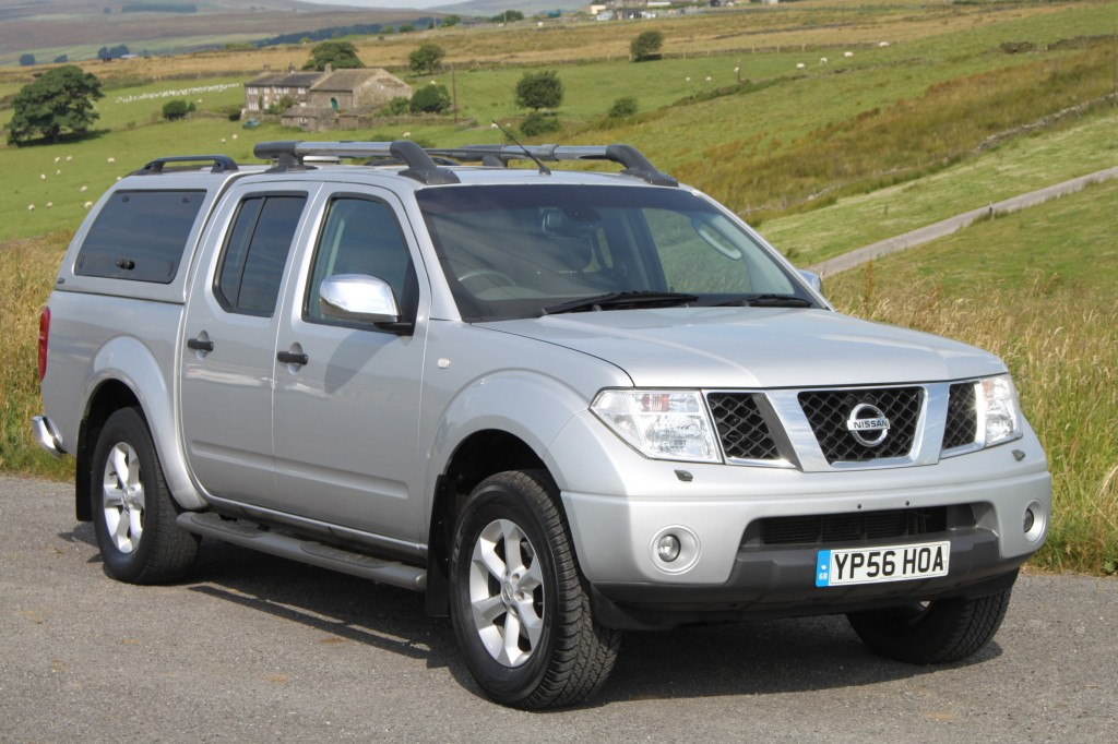 & NISSAN NAVARA 2.5 DCI OUTLAW 4X4 D/C 6 SPEED QUALITY REAR CANOPY ...