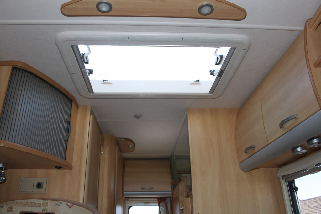 ACE NOVELLA VERONA 6 BERTH, 2.3JTD 16v  6 METRE LONG, 6 BERTH WITH BUNKS